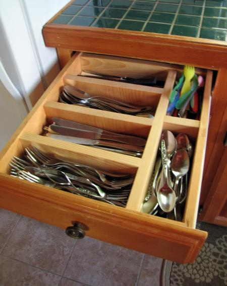 Make drawer dividers: Organizational Stuff, Kitchen Utensil Organization, Organizational Ideas, Kitchen Ideas, Craft Ideas, Apt House Ideas, Cleaning Organizing Tips, Kitchen Cabinets
