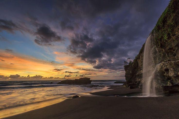 Melasti Beach by Yudik Pradnyana on 500px