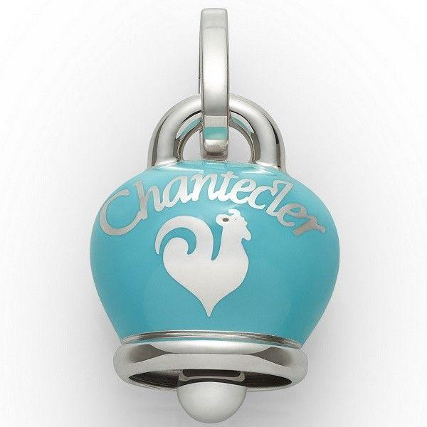 Ciondolo Chantecler Capri a forma di campanella, in argento laccato turchese. Un charm elegante perfetto per le vacanze estive in riva al mare. #chantecler #chanteclerjewelry #gioielli #jewels #bell #bells #chanteclercapri #charm #charms #ciondoli #campana #campanella #campanelle #turchese