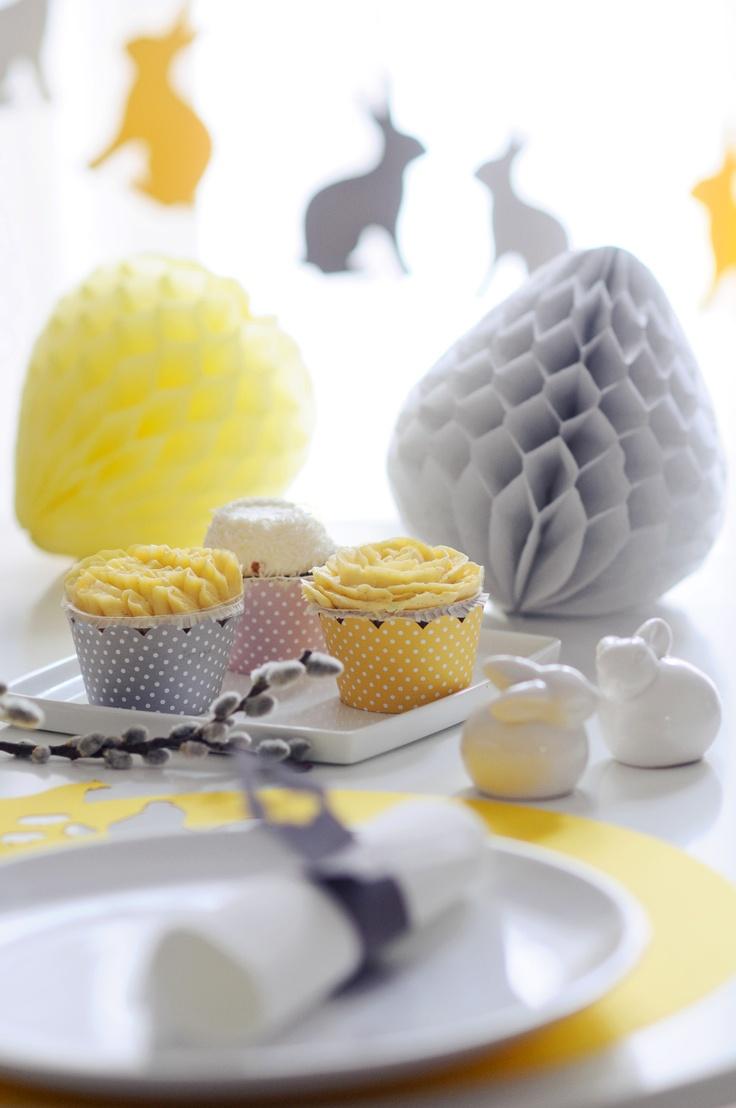 Honeycomb paper eggs, cupcake wrap, bunny garland  www.karcsipapir.hu
