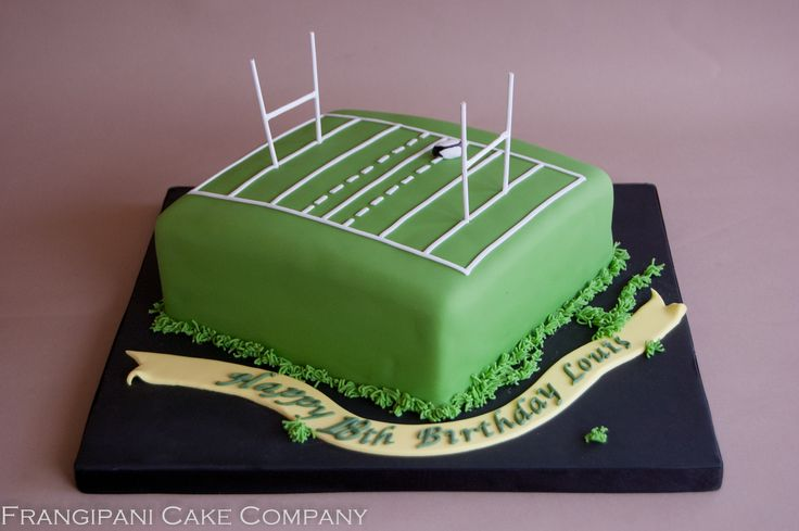 Rugby pitch cake