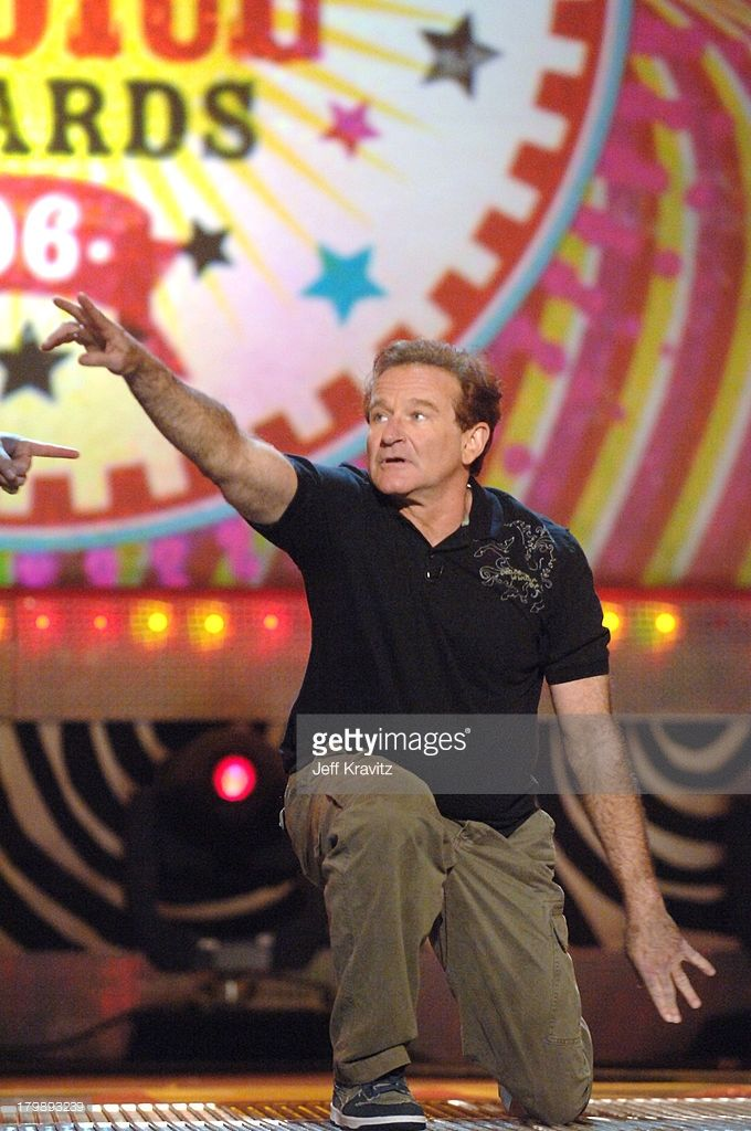Robin Williams prepares to close the show during Nickelodeon's 19th Annual Kids' Choice Awards - Show at Pauley Pavillion in Westwood, California, United States.