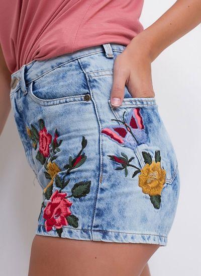 Short Vintage Bordado em Jeans