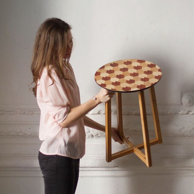 Call this table 'roe' cause pattern looks like hoofprint)  Зову столик 'косуля', потому что узор, как следы копытц! #marquetry #marquetryart #инстаграмнедели #woodart #craftsposure #makersgonnamake #handcrafted #woodworker #makersvillage #madebyhand #doitfortheprocess #woodworking #woodwork #woodcraft #finewoodworking #woodshop #veneer #woodveneer #furnituredesign