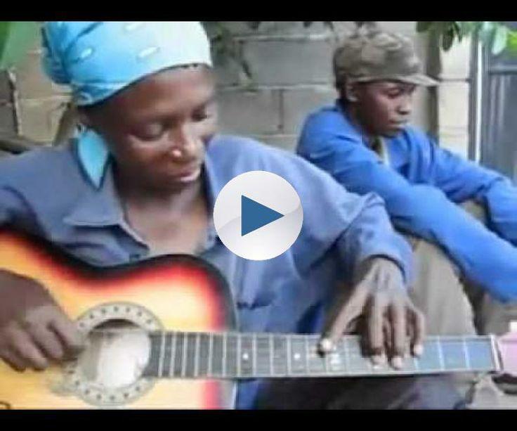 O cara toca violão pra CARAMBA!
