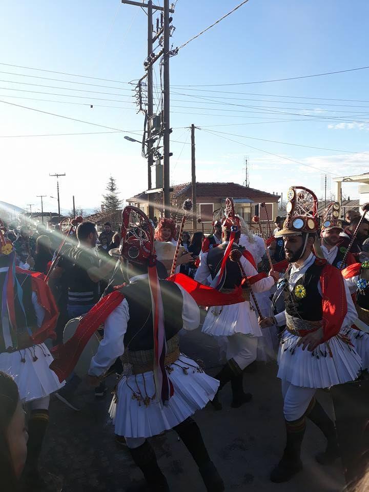 kozan.gr: Γέμισε κόσμο ο Τετράλοφος Κοζάνης – Εντυπωσιακοί, γι' ακόμη μια χρονιά, οι Μωμόγεροι του χωριού (Βίντεο)   Καθημερινή ενημέρωση για την Kοζάνη από το 2001 -- Κοζάνης Κοζανη kozani kozanh kozanhs KOZANI Πτολεμαίδα ΠΤΟΛΕΜΑΙΔΑ Eordaia Εορδαία