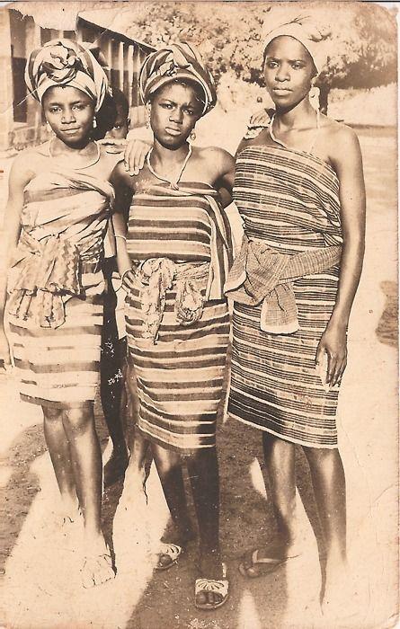 Yoruba ikat patterned aso oke, circa 1960.  Source: nigeriantomboy: