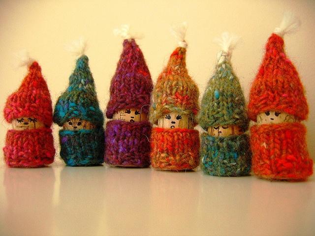 Mini Elf Knitting Pattern : 1000+ images about tiny knits on Pinterest Knits ...