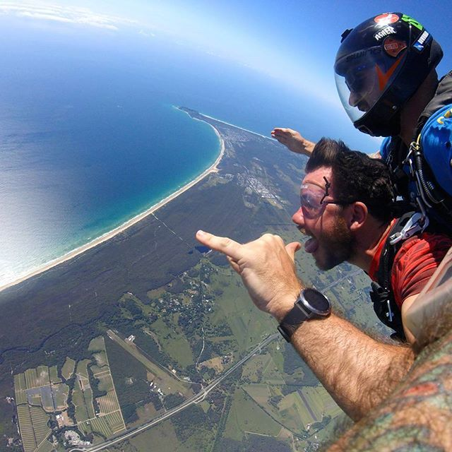 Valentine's day #happytraveller way!! #skydive #freefall #extreme #travel #parachute #byronbay #goldcoast #travel #Australia  Δείτε και φωτογραφίες της Ηλεκτρας εδώ @electra_asteri