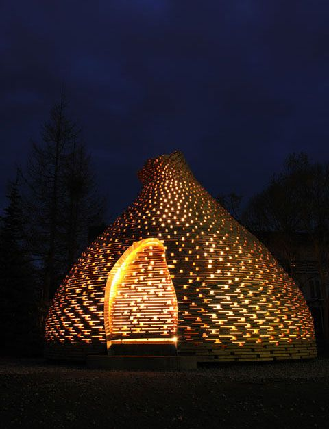 Fire-Place where you can play and tell stories – wooden hut for a kindergarten by Haugen/Zohar | Architecture at Stylepark