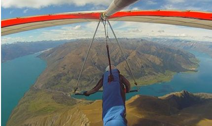 Hanggliding is a must in New Zealand - one for the adrenalin junkies!