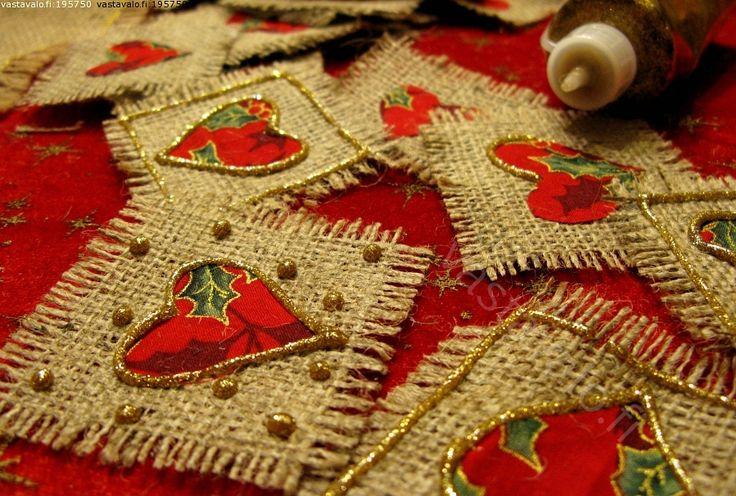 Jouluaskartelu - sydän säkkikangas liina hyvää joulua joulu tervehdys terveisetjoulutervehdys punainen käsin tehty käsityö askartelu joulua...