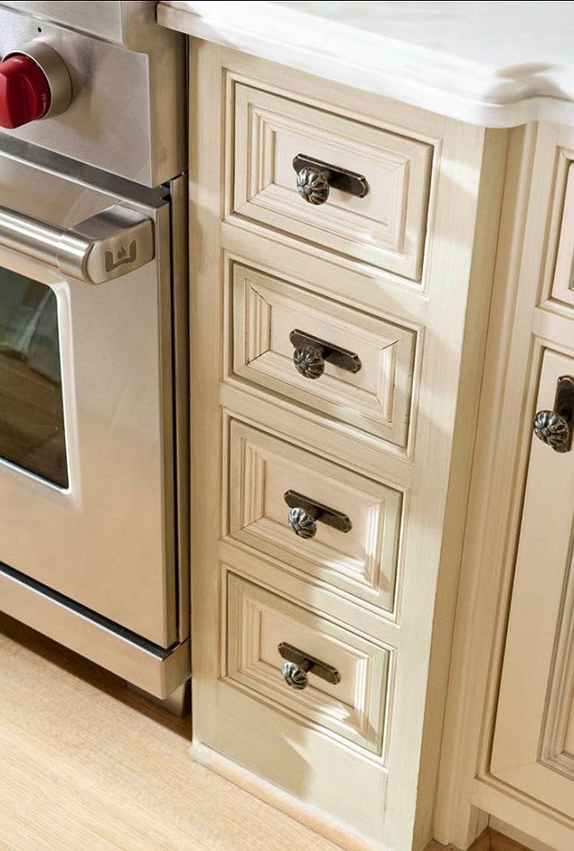 17 best images about kitchens on pinterest transitional for Traditional kitchen cabinet handles