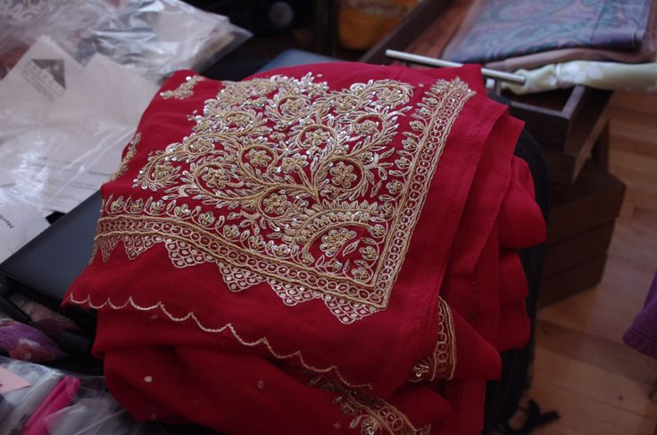 It's sari season!
