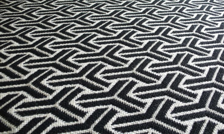 Jacquard Flatweave Trafal. Black/White Stair Runner by Hartley and Tissier