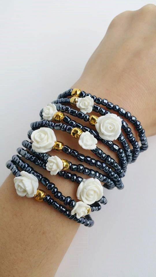 Stratificazione di braccialetti di perline, comprate 10 braccialetti in questa inserzione.  Ogni braccialetto è 7,5 pollici  APPROFITTA DELLE SPEDIZIONI COMBINATE!!! Solo 0,50€ (circa 0,60 USD) per elemento adicional!!  Fatto a mano con amore