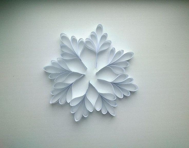 Объёмная снежинка из бумаги
