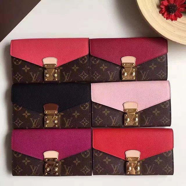 【only_you316】さんのInstagramをピンしています。 《LINE ID: aimee.319 DMよりラインの方が早いです。 2つ以上の購入は追加割引可能。 基本付き品:1。財布 : 専用箱、専用袋、Gカード、該当ブランドのショッパー 2。バッグ : 専用袋、Gカード、該当ブランドのショッパー #chanel#シャネル#パロディ#ルブタン#dior#ルイヴィトン#夏#雨#ラブ#グッチ#サンダル#靴#スニーカー#コピー品#バーキン#エルメス#サンローラン#セリーヌ#ラゲージ#クロムハーツ#バレンシアガ#東京#j12#大阪#カルティエ#ロレックス#時計#旅行#海#lt louis vuitton》