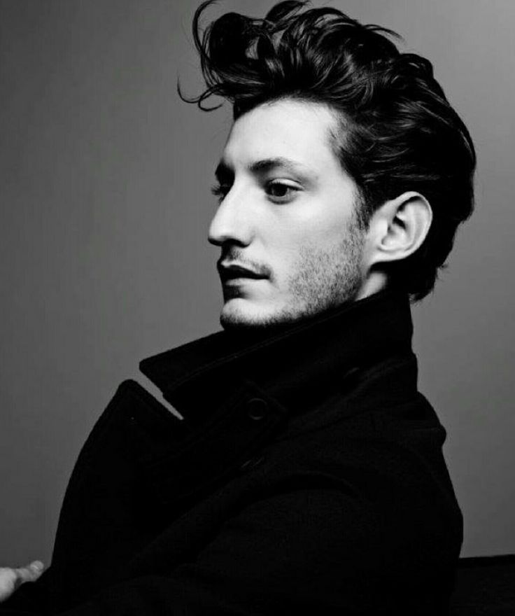 Pierre Niney defies you with his profile