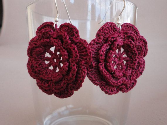 Crochet flower earrings made with 100% cotton, 925 sterling silver earring hook and plastic stopper.  I use special technique for my crochet products to make them stiff and keep their shape. Please, avoid bending them or making them wet.  Try it for yourself or make a special gift to the ones you love!  diameter: 3.5 cm/1.38 inch If you are interested in a custom order, please contact me :)  SHIPPING INFORMATION: when ready (after 1-3 working days), the item will be shipped as Registered…