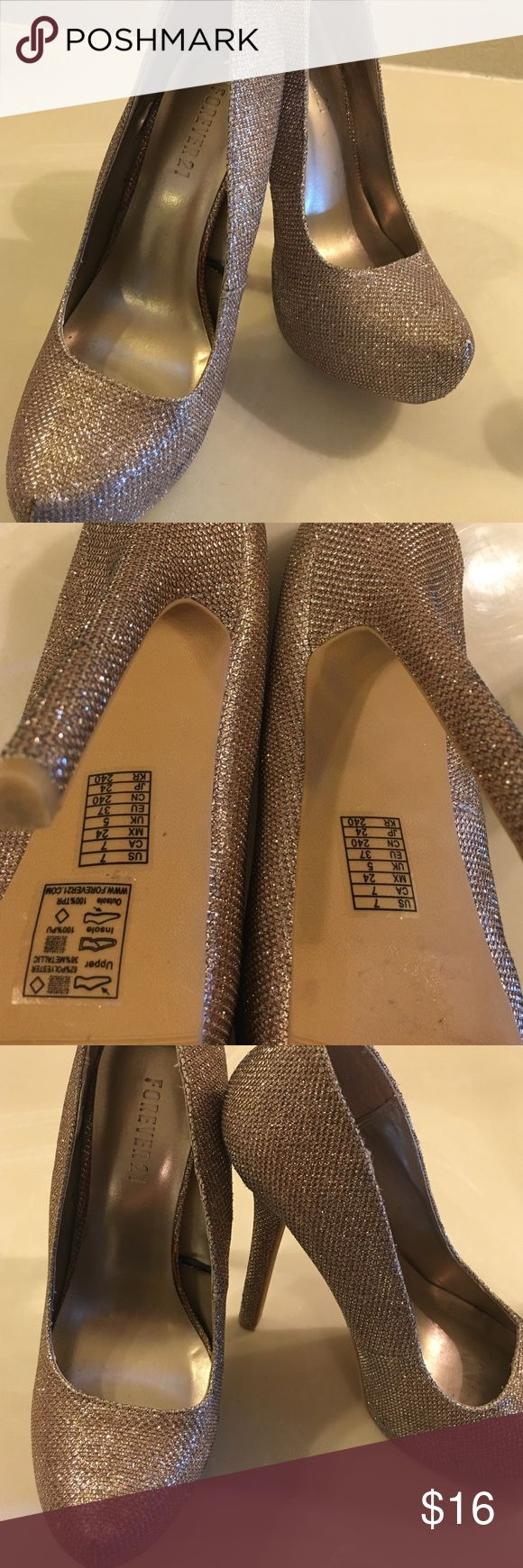 💕💕 gorgeous gold sparkly heals ! 💗 these are so much prettier in person! Good shape size 7 Shoes Heels