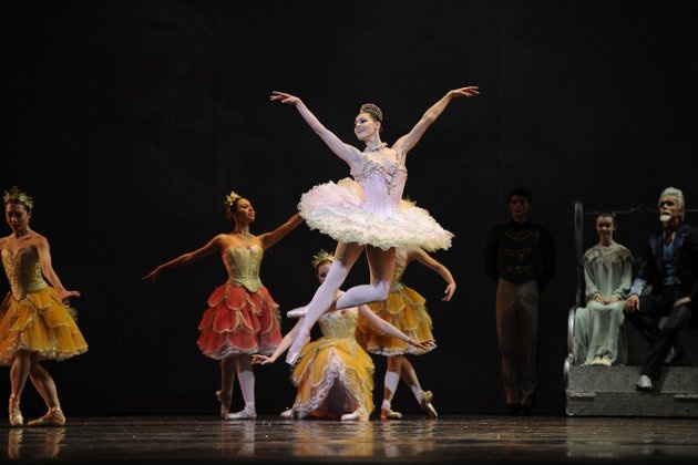 Sofiane Sylve in Tomasson's Nutcracker.