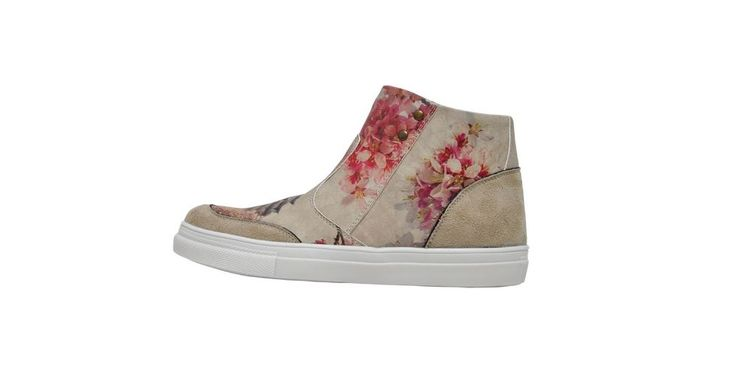 Let's welcome spring with some new stylish booties! Enjoy 15% discount on unique boots for spring at DOGO.de - vegan shoes!