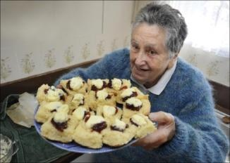 Lemonade Scones by CWA member Dot OReilly - The CWA - Country Women's Association have been the back bone of many a farming community - giiving rural women the opportunity to mix with their peers, form friendships, learn household management/cookery and have an escape from routine. The CWA are re nowned for their marvellous recipes and fighting for recognition for rural women giving them a voice