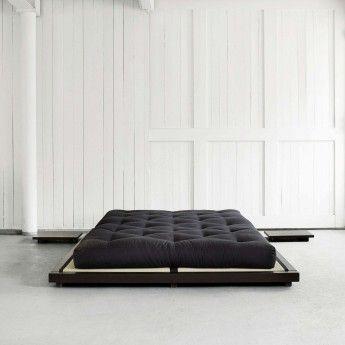 En kvalitets meget komfortabelt, middelshard-til-myk men fast madrass som består av to lag 100% bomull på toppen og nederst og to 4 cm lag av lateks i midten. Gir god kroppstøtte og holder bra form.