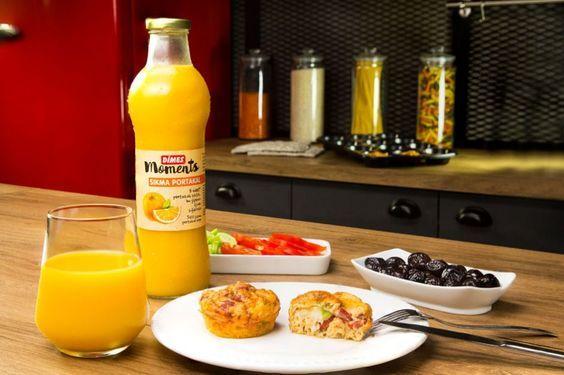 Pofuduk yumurta muffin tarifiyle sabah kahvaltılarınız için nefis bir alternatifimiz var. Bu tarife bayılacaksınız. Afiyetler olsun.