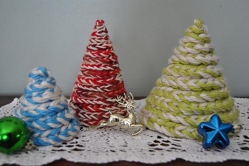 vingerhaken: kerstboompjes maken