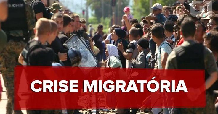 Mais de 900 pessoas são resgatadas no Mediterrâneo