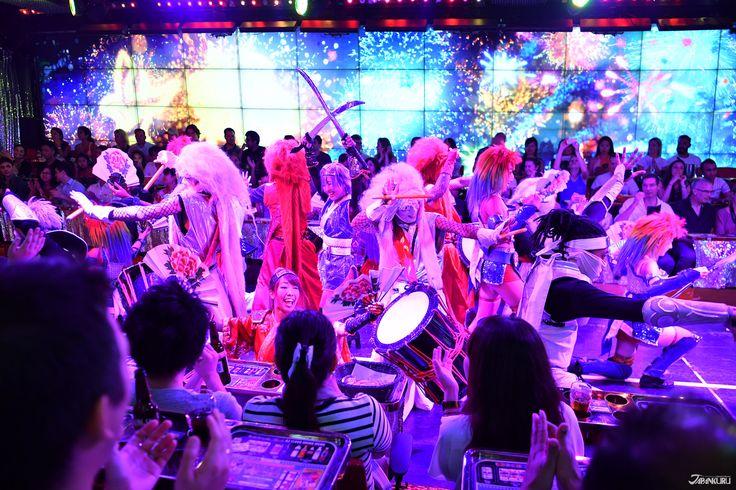 ★ROBOT RESTAURANT in shinjuku!!!  ★ROBOT RESTAURANT http://www.shinjuku-robot.com/pc/ #robotrestaurant #japankuru #cooljapan #100tokyo #tokyo #japan #shinjuku #robot #kabukicho #show