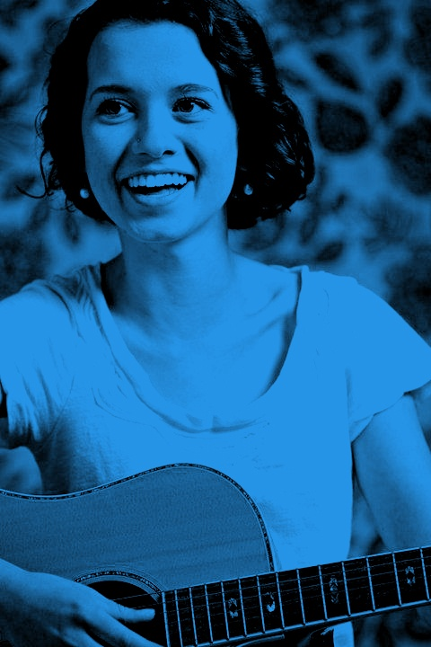 Singer-songwriter Justine Giles; an award-winning young musician.