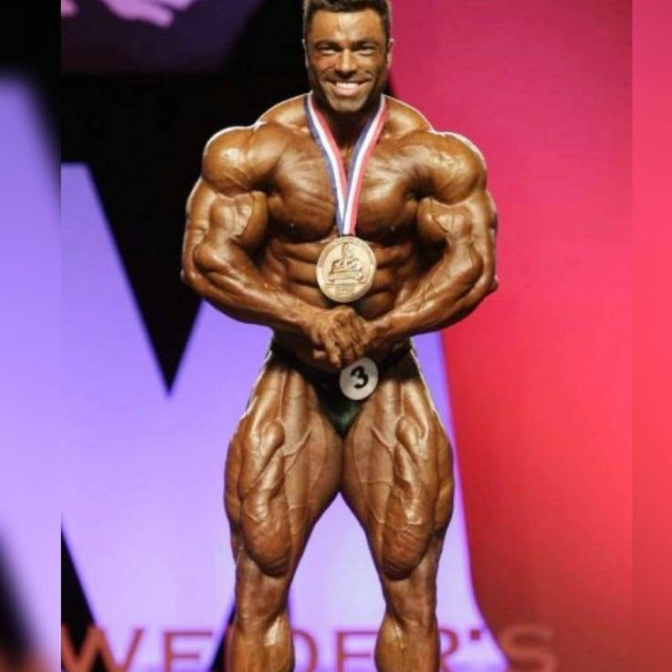 Lenda !! Melhor atleta brasileiro de todos os tempos. Chegou a ser top 2 do Mr. Olympia 212 em 2014.  #fikagrandeporra #vemmonstro #esmagaquecresce #fitness #fitnessmotivation #motivação #motivation #training #treino #workout #work #dieta #diet #dietalowcarb #olympia