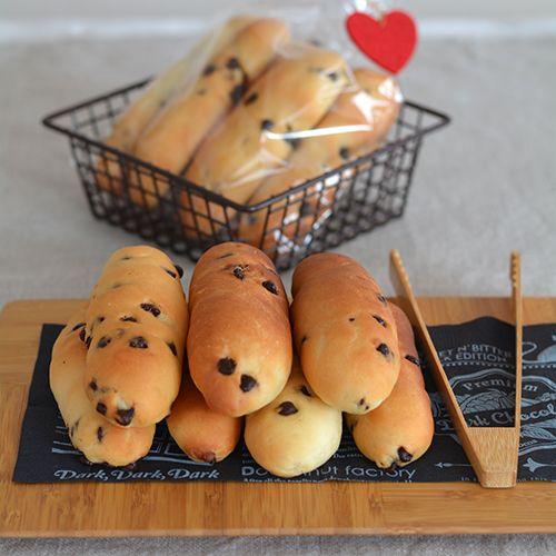 【チョコチップスティックパン】の材料は、富澤商店オンラインショップ(通販)、直営店舗でご購入いただけます。また、無料のレシピも多数ご用意。確かな品質と安心価格で料理の楽しさをお届けします。
