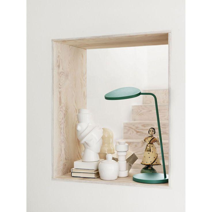 Leaf lamp från Muuto är en bordslampa designad av Broberg & Ridderstråle. En l&...