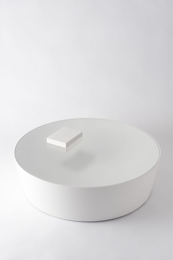 Total White table interior home simple luxury style minimal design designer Nendo | moya low table
