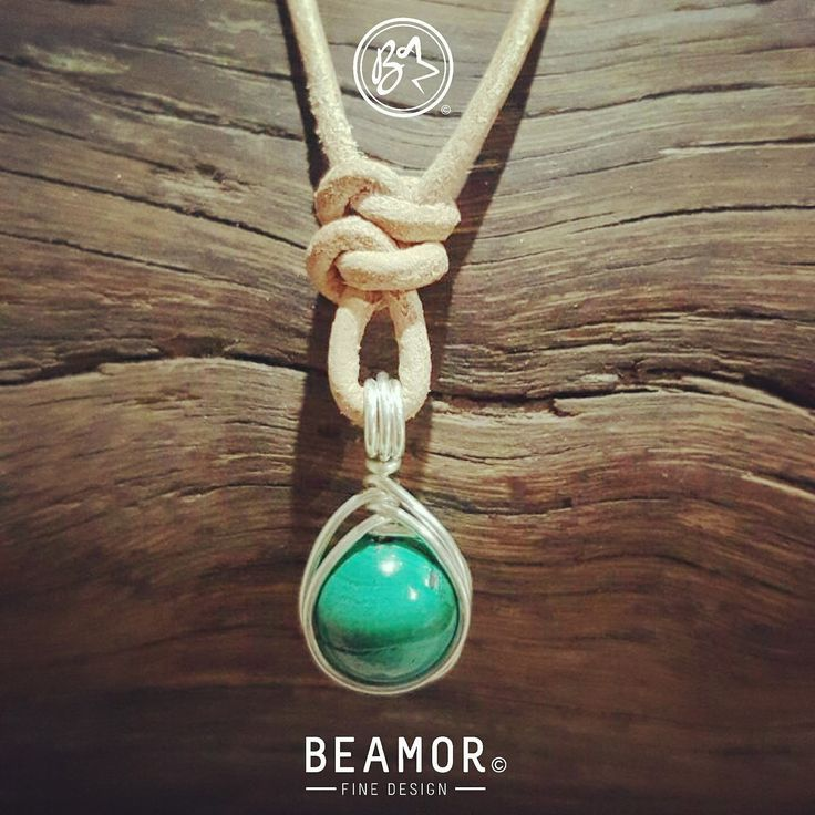 Malachite, balancing in times of change. Helps alleviate anxiety, promoting positive conscious action.  #malachite #gemstonehealing #bohostyle #etsystore #beamorfinedesign #findamaker