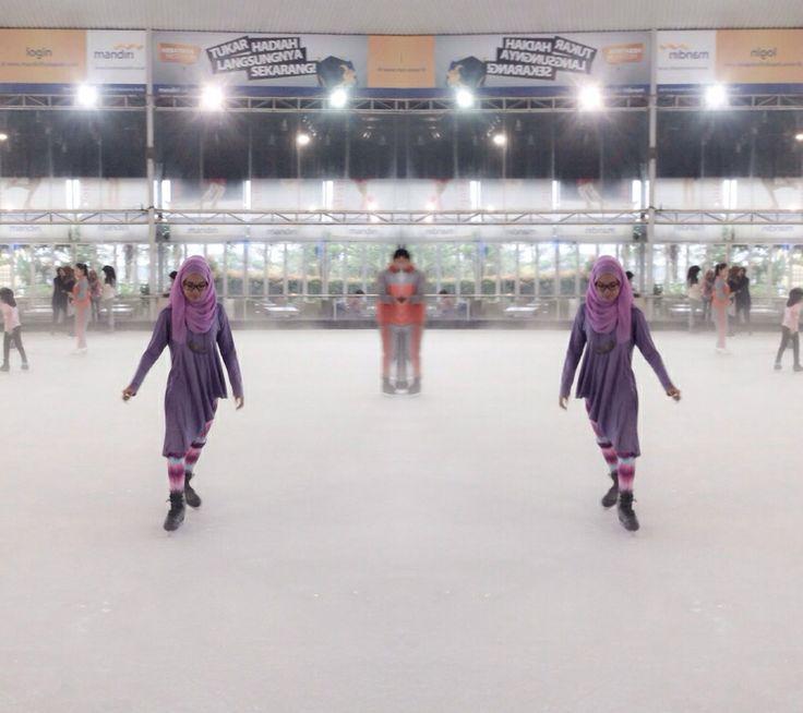 Ice skat