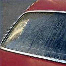 Autoruiten binnenkant schoonmaken | handige tip voor het reinigen van de binnenzijde van de ramen van je auto