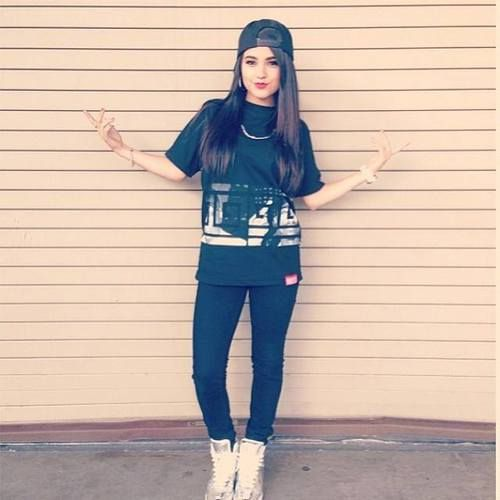 Hey I'm Becky G but call me G. I'm 16 a singer, dancer and model. I'm Justin's…