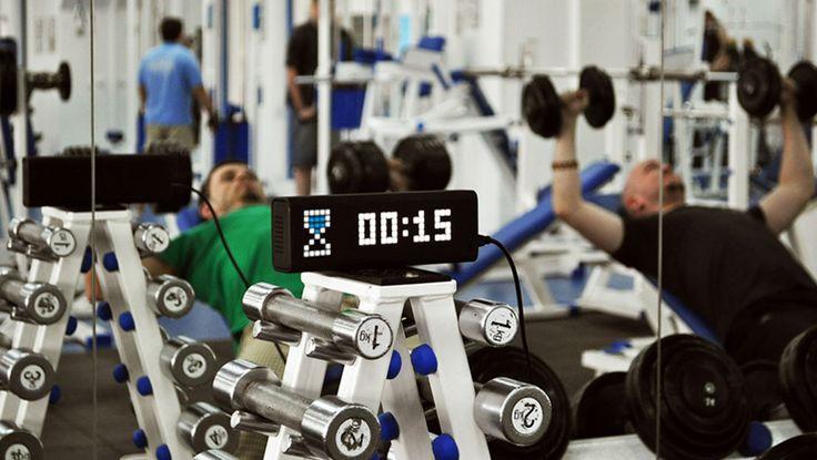 LaMetric Time est une horloge connectée intelligente qui nous envoie des notifications et des informations en temps réel.