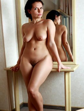 Nu nude full figured girls
