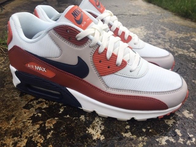 the latest 836f0 c6b27 Nike Air Max 90 Size 10 UK Essential EU 45 Trainers Men AJ1285-202  OBSIDIAN  eBay