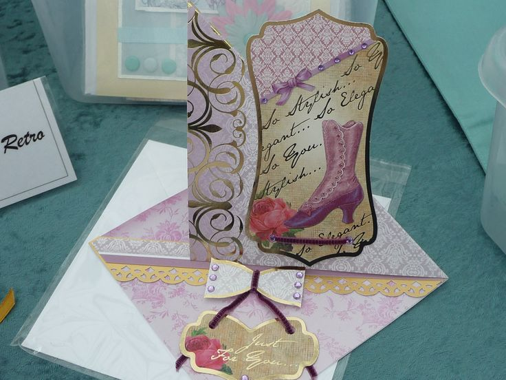 Twisted easel style card