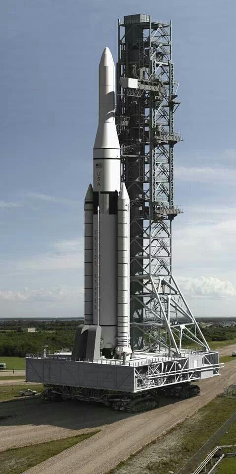 NASA's new SLS (Space Launch System) Rocket. (Artist depiction)