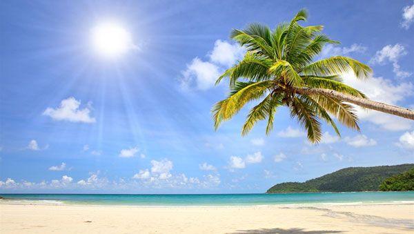A bright sun on a Cariibbean beach