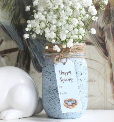 DIY Speckled robin's egg mason jar - easy Easter decor // Vörösbegy tojás mintájú befőttes üveg vázák fröcsköléssel // Mindy - craft tutorial collection