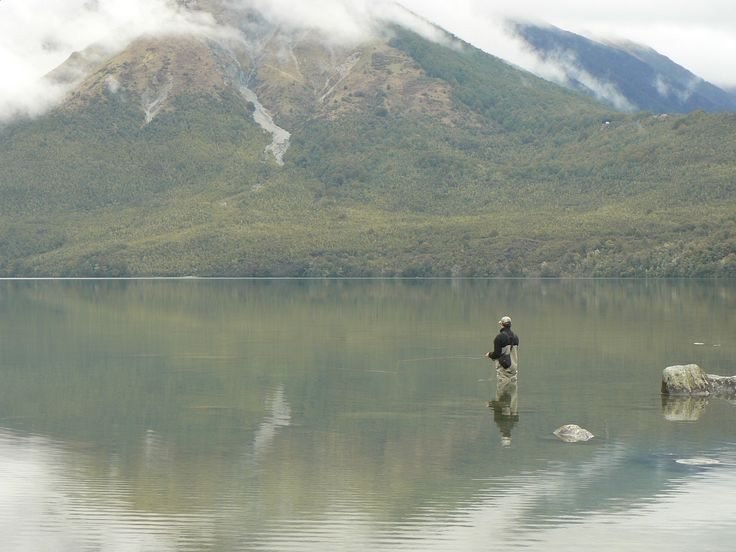 PLANNING A FLY FISHING TRIP TO NEW ZEALAND: GET A GUIDE.